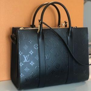 Louis Vuitton Bags - Louis Vuitton Very Tote MM